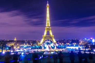 Khuyến mãi vé máy bay từ Hồ Chí Minh đi Pháp giá rẻ